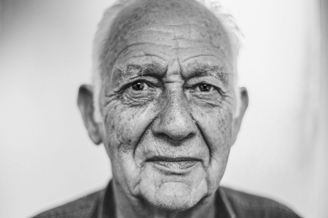 old-man-1208210_1920-1280x852.jpg